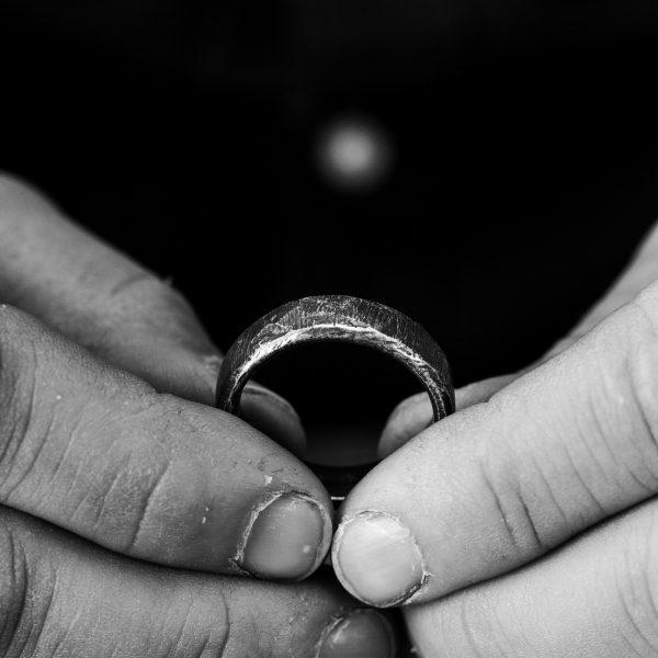 Men's Dark Wedding Rings